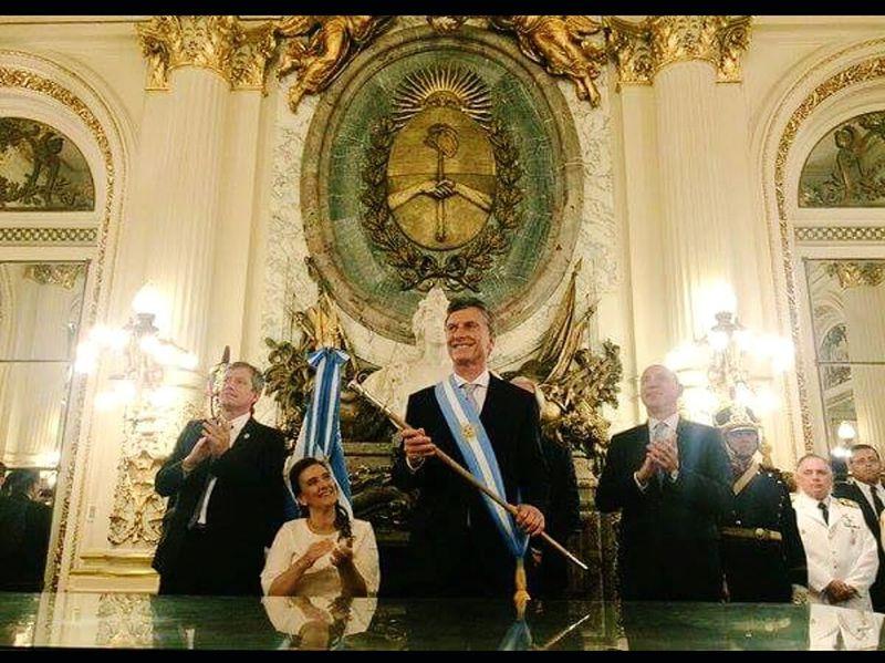 Día de la restauración de la Democracia! Cambiamospor una Argentina mejor!! Mauricio Macri Presidente!! Vamos Argentina!! 💛