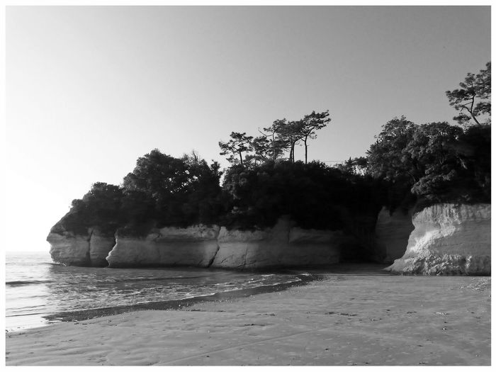 cliff beach bnw day coastal panorama crique real BnW White Frame black and white photography black and white - beach In Suzac, Premium Collection EyeEm Best Shots - Beack EyeEm Best Shots - Black And White Cliff Beach Bnw Day Coastal Panorama Crique Real BnW White Frame Black And White Photography Black And White - Beach Suzac Charente Maritimes Charentes France