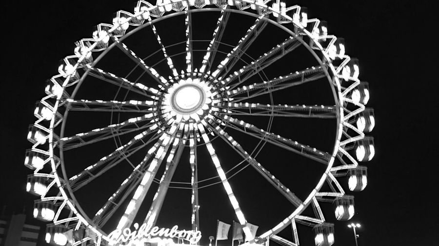 Hamburger Dom Nightwalk Throughmyeyes Into The Night My Hometown Hello World Having Fun Discover Your City Tourist Attraction  At Night Urban Lifestyle Mobilephotography Nice Atmosphere Eye Em Around The World Nightphotography Germany Hamburg Hamburg By Night At The Fair Fairground Eyeem Monochrome EyeEm Black&white! Blackandwhite Photography EyeEm Gallery Eyeemphotography