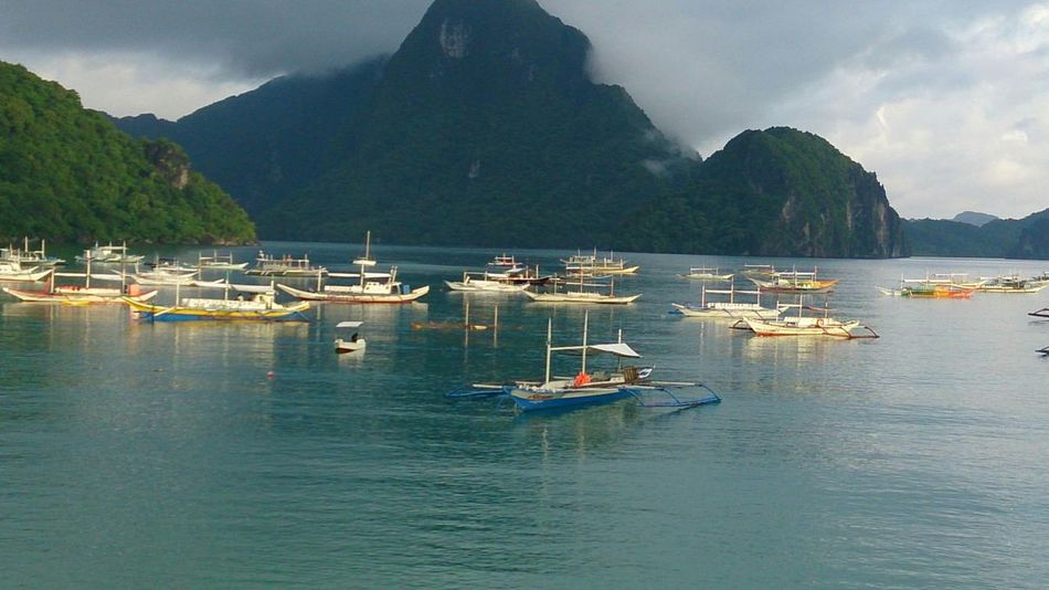 "South ""El Nido, Palawan"". HEAVENONEARTH On The Beach Beautiful Nature Nofilter Earlymorning  Mustvisit Itsmorefuninthephilippines"