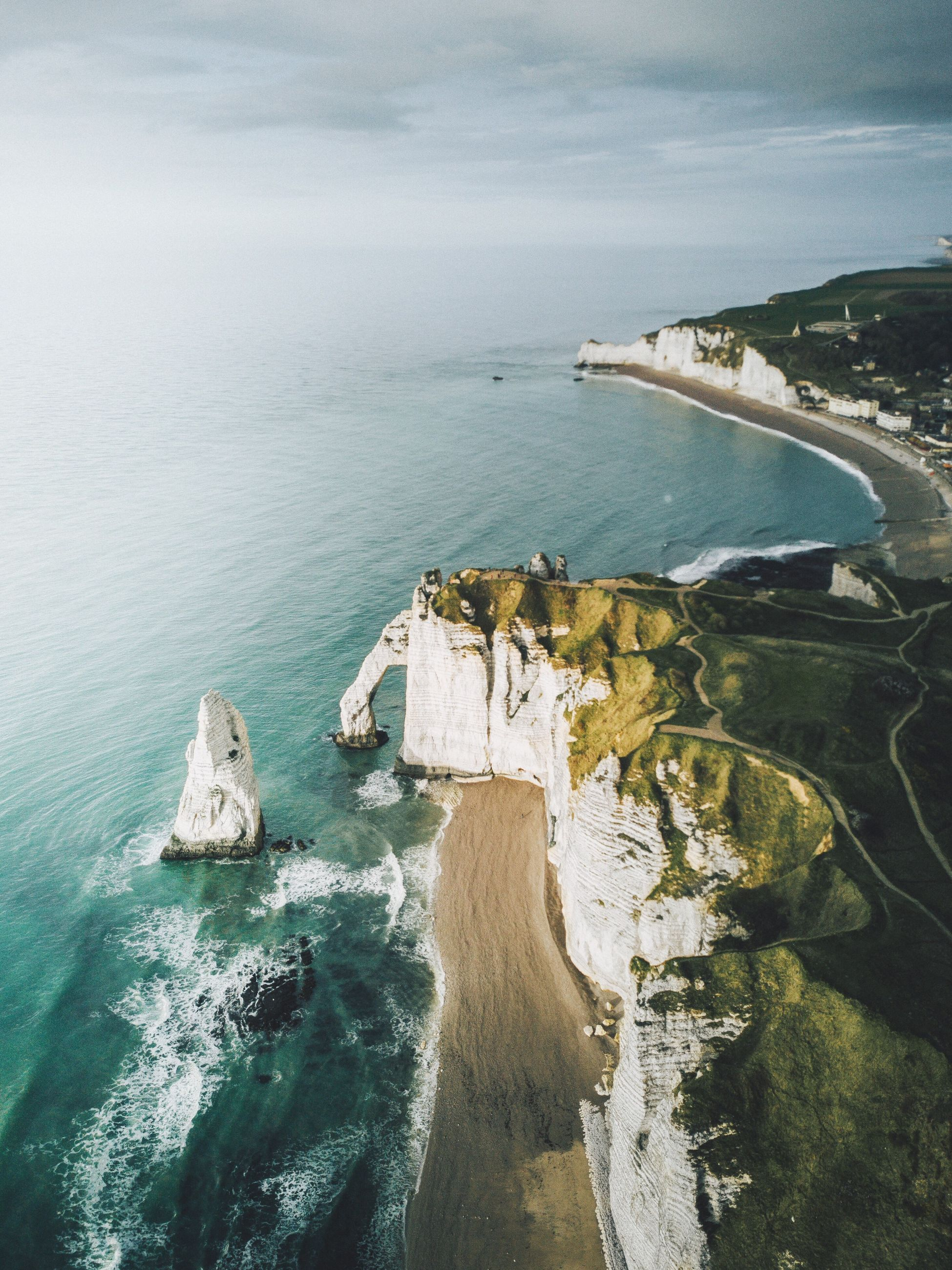 sea, water, nature, scenics, horizon over water, beauty in nature, high angle view, rock - object, sky, tranquility, tranquil scene, no people, cliff, day, architecture, built structure, outdoors