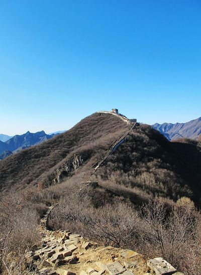 Great wall of china against blue sky