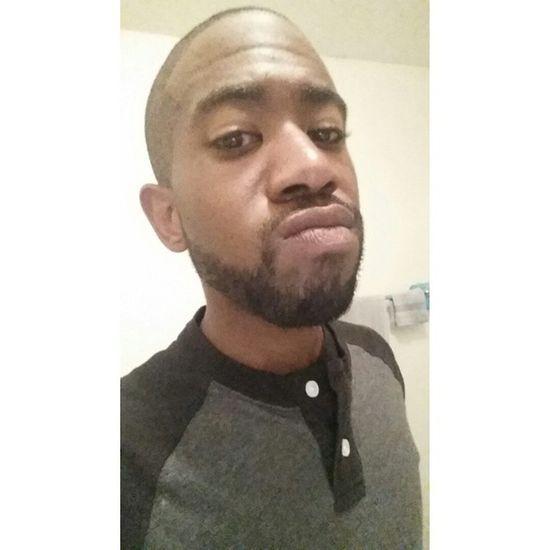 Finally shaved and cut my hair 💇💅💪 Shaved CleanedUp MeanMuggin Gay Instagay Beardedhomo Selfie Gaydude Freshcut Bathroomselfie