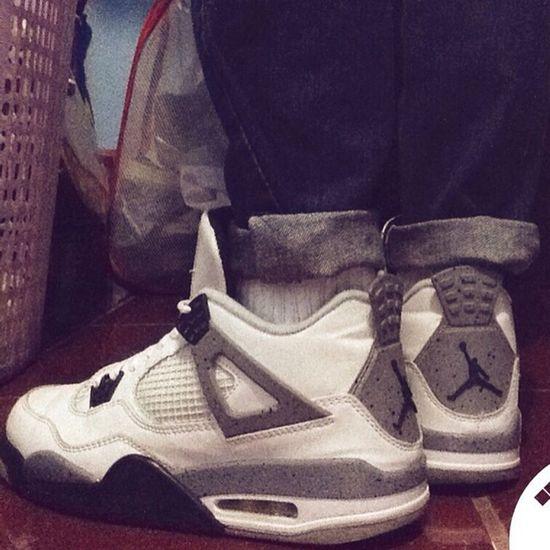 Shoelfie Needforsneakers AirJordan  JordanIV whitecement