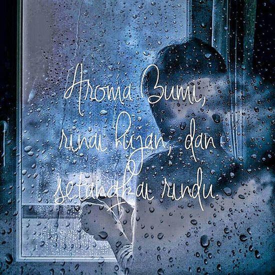 -S O L I L O Q U Y Quote Quoteoftheday Soliloquy Rain RainyDay Poetry Pictureoftheday Picoftheday Instaquote Instamoment Instamood Instapic Instaphoto Ksagamaksara