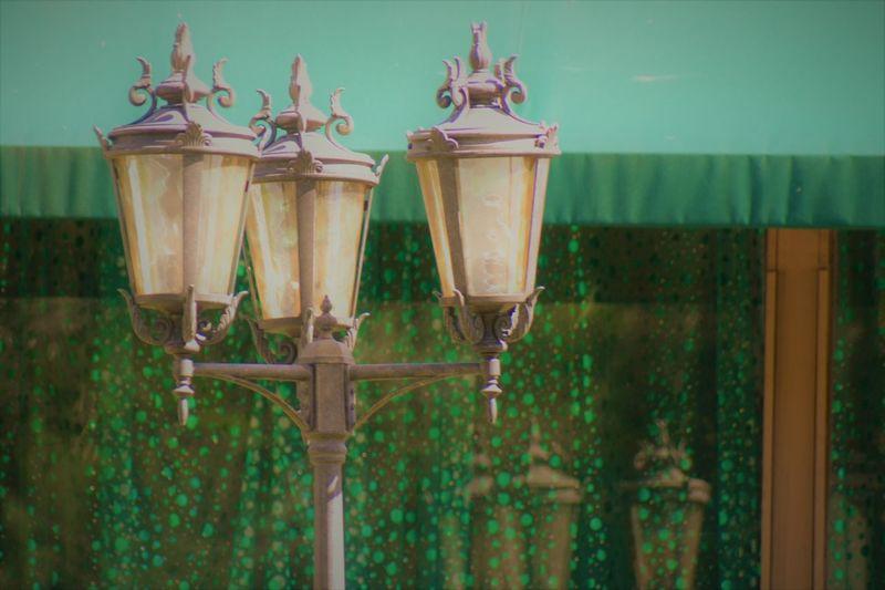 green lantern, beautiful Accent Beautiful City Colorful Dark Display Geometric Shape Getting Inspired Glitch Green Color Inspiring Lantern Light Metal Nobody Shop Shopping Street Streetphotography Summer Tower View Villa Warm Yellow
