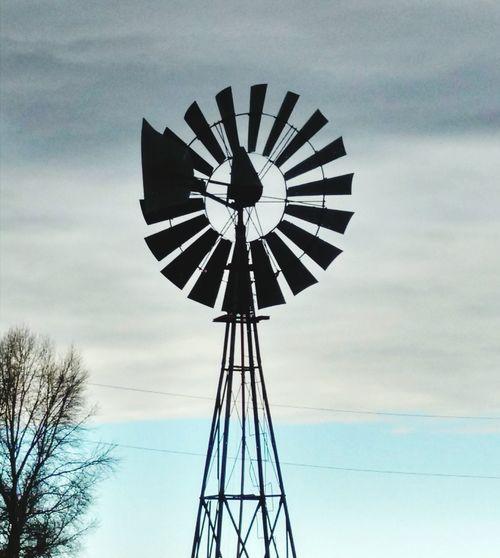 Windmill against the sky Taking Photos Windmill Windmill Of The Day Windmills #photography Windmills Photography Windmill And Sky Windmill Silhouette Windmill Farm