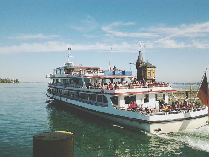 Tourists on tourboat