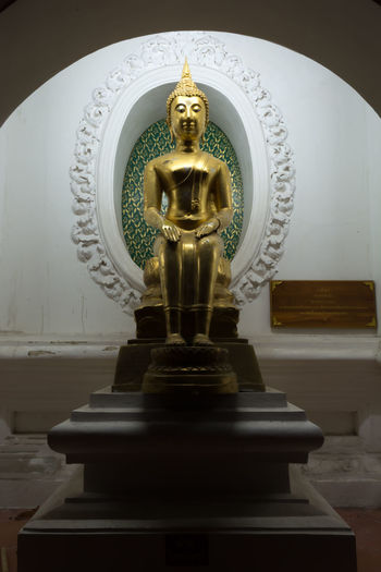 Art And Craft Close-up DayThailand Nakhon Pathom Buddha Status Sitedown Yellow Travel Store Old Buddha Statue Large Group Of People Old Buddha Buddha Outdoors Gold Human Representation Indoors  Male Likeness No People Place Of Worship Religion Sculpture Spirituality Statue Site Down Buddha