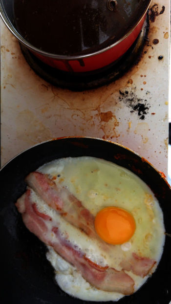 Bacon Breakfast Close-up Comida Cooker Desayuno Eggs Eggs And Bacon Estufa Food Freshness Frying Pan Huevos Con Tocino Huevos Fritos Huevos Y Panceta Ready-to-eat Sarten Sarten Skillet Stove Stovetop Tocino Urban Lifestyle Urban Photography