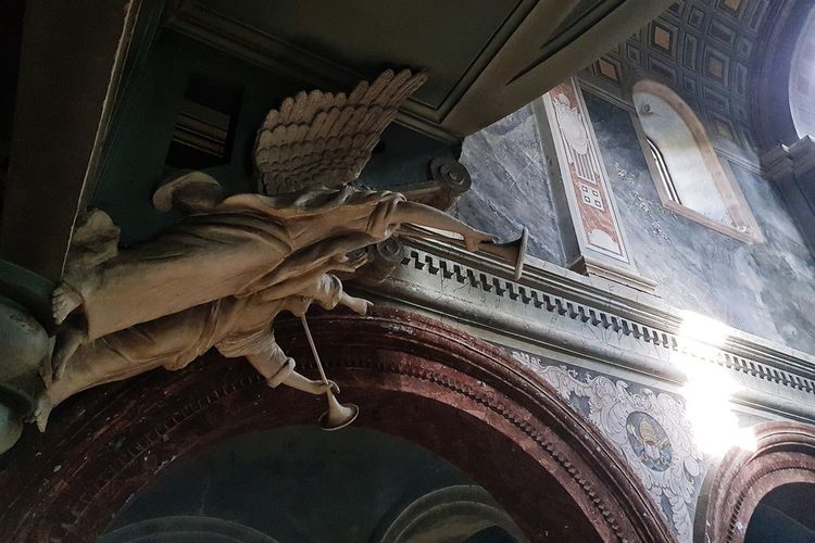Former Catholic church in Kutaisi Architecture Architectural Detail Architecture Photography Georgia Church Architecture Angels Close-up Architecture Historic Historic Building Arch Interior Cathedral Place Of Worship Architectural Column Triumphal Arch History