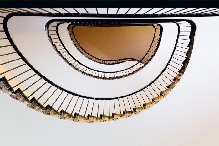 Guise Familistere Godin France Hautsdefrance Hauts De France Escaliers Lookingup Stairs Staircase Building Architecture Architecture_collection Aisne