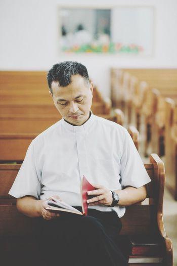 炳金牧師。我們好想念您。