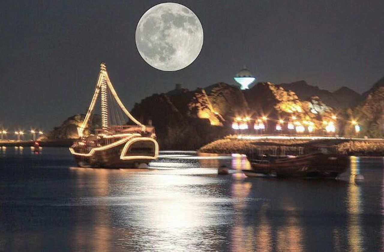 night, moon, water, no people, outdoors, sky, nautical vessel, illuminated, city, built structure, nature, architecture, travel destinations, beauty in nature, astronomy