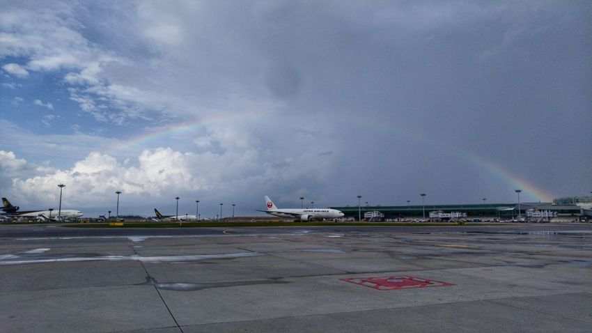 It's like you're frozen and the whole world is going on around you. No matter how many people wanna be there for you, you end up going through this alone. Cloud - Sky Airport TheCalmAfterTheStorm Rainbow LGV10 Lgv10photography Hustle
