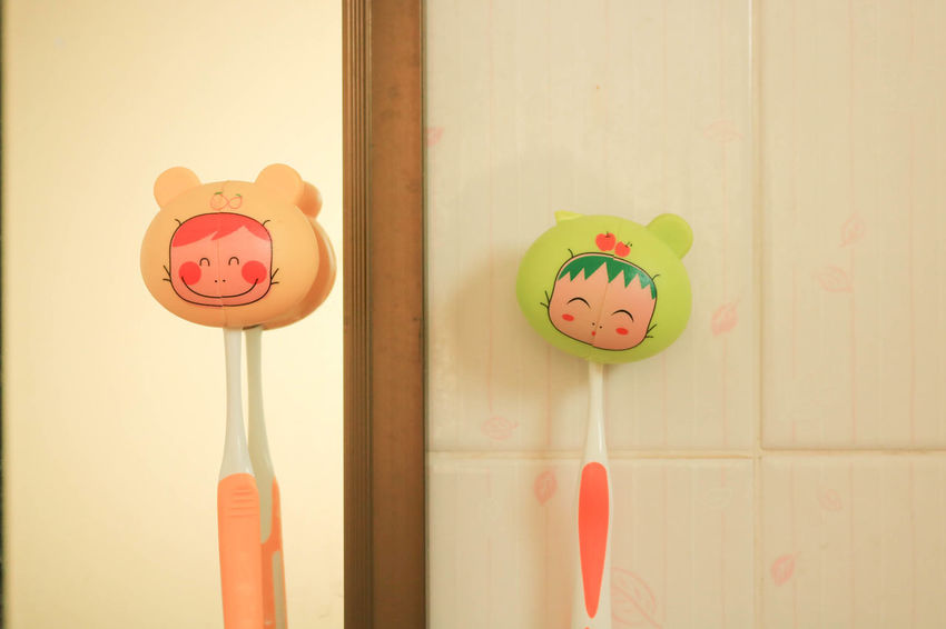 น่ารัก #couple #love #lovely #Morning #partner #smile #toothbrush #Twins  Animal Representation Anthropomorphic Face Art And Craft Close-up Day Indoors  No People Window EyeEmNewHere