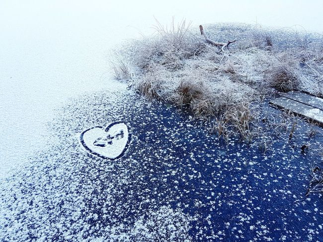 winter lovers Winter Heart Love Shape Drawn Snow Copy Space Outdoors Nature Date Ink Backgrounds Full Frame Abstract Textured  Pattern Oil Spill Close-up Heart Shape Valentine Day - Holiday Valentine's Day - Holiday I Love You Valentine Card