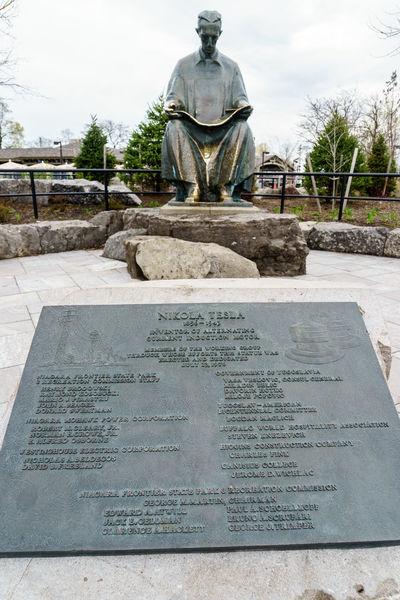 America Break The Mold Day Fashion Landmark National National Park New York Niagara Niagara Falls Niagara Falls NY Nikola Tesla No People Outdoors Sculpture Sightseeing State Park  Statue Statue Tesla Text Tourist USA Water Water Falls