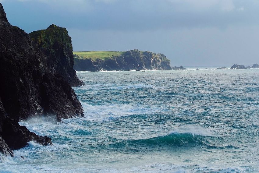 Kynance cliffs windy day Sea Rock - Object Water Beauty In Nature Nature Sky Scenics Wave Horizon Over Water No People Day Outdoors Motion Cliff Power In Nature Beach Crash Kynance Cove Cornwall Uk England