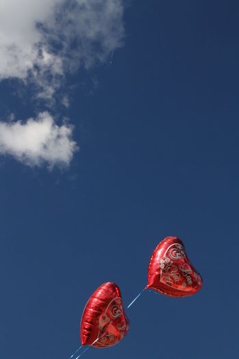 Funfair Kirmes 💗 Luftballons Ballooning Festival Blue Bluesky Celebration Cloud - Sky Day Festival Flying Low Angle View Mid-air Montgolfiade Nature No People Outdoors Positive Emotion Red Sky Warstein Warsteiner Montgolfiade 2011