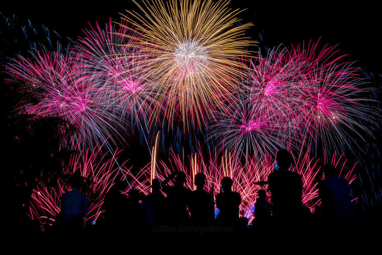 Arts Culture And Entertainment Celebration Crowd Event Exploding Firework Firework - Man Made Object Firework Display FUJIFILM X-T2 Gidferrer Illuminated Long Exposure Men Motion Night Outdoors People Real People Silhouette Sky