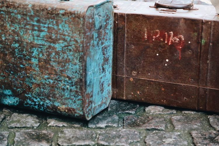 Rustic Luggage Full Frame Shot Street Rustic Style Baggage Claim Baggage Claim Traveling Travel Backgrounds Bags Luggage Old Luggage, Travel  Rustic Rusty No People Abandoned Day Outdoors Close-up