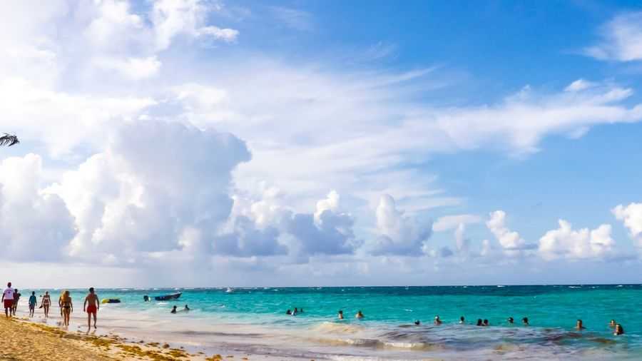 Water Land Beach Sea Sky Cloud - Sky Holiday Horizon Over Water Trip Vacations Group Of People Tourism Leisure Activity Turquoise Colored Crowd Large Group Of People Travel Beauty In Nature Nature Sand