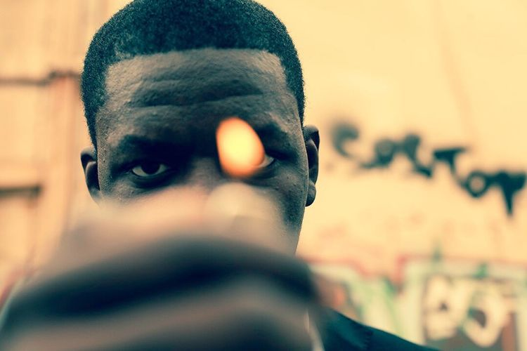 Don't be afraid of getting close to fire! Up Close Street Photography