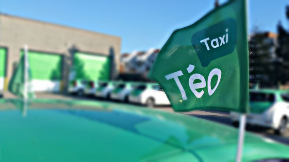Montreal, Canada Cab Ecofriendly Greencar Advertising Teo Green