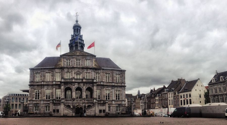 Maastricht Palast Gray Urban Town Dove Markt Steeet Square Construction History Landmark Façade Travel Destinations Travel Europe Culture Cityscape City Center Maastricht Architecture Building Exterior Built Structure Sky Cloud - Sky City Travel Destinations Building Travel Tourism Outdoors