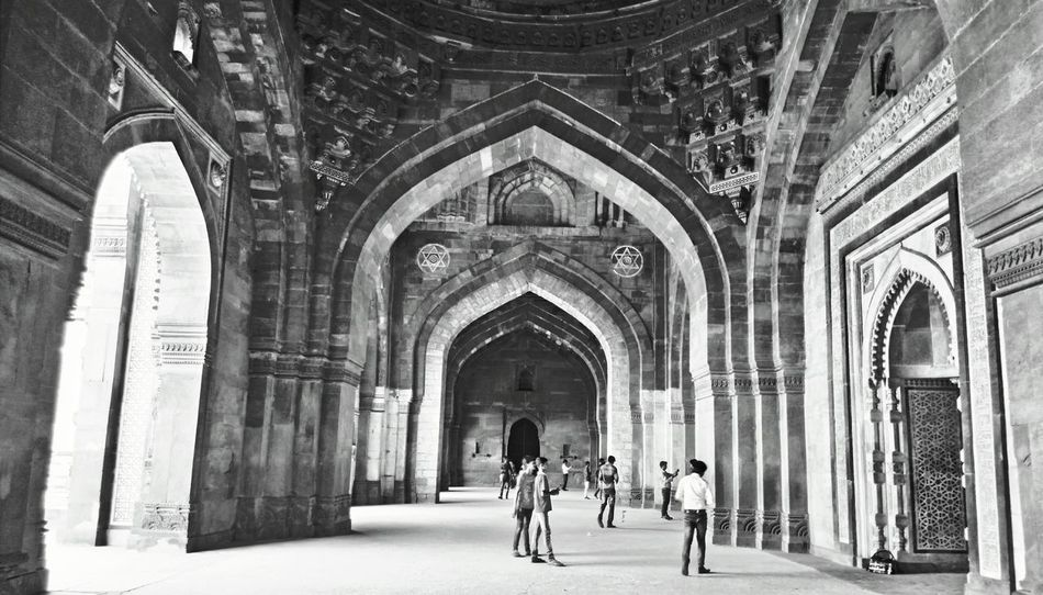 Travel Photography Lenovovibeshot Magazine EyeEm Vision Indiapictures Mobilephoto Visionphotography India Indianphotographer Worldwide_shot Photosfromindia Delhi EyeEm Selects Forts Of India Fort Travel Destinations Monochrome Blackandwhite Bnw Black Abstract