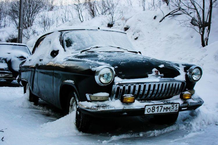 "Old school Russian car ""Volga"". Winter Snow Russian Car Oldschool Minimalism City Cityscapes Urban Urbex Urbanphotography Streetphotography Urbanexploration Russia Northern North Volga Oldcars"