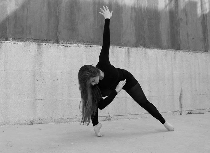 EyeEmNewHere Ballance Flexibility Ballet Dancer Full Length Skill  Young Women Dancer Long Hair Portrait Ballet Motion Tiptoe