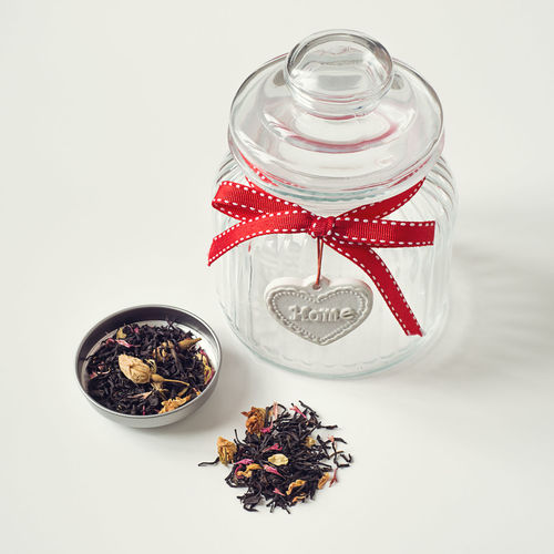 Lovely home jar and loose jasmin, rose and cornflower leaf tea Herb Home Love Conservation Container Dried Food Dry Tea Empty Healthy Eating Heart Home Decor Jar Kitchen Kitchenware Leaf Tea Loose Tea Organic Red Ribbon Still Life Storage Tea Tea Leaves Transparent