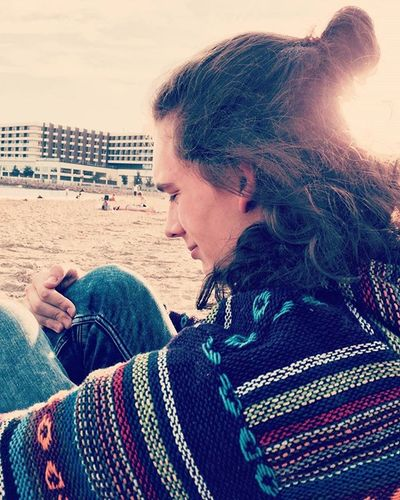 Und wieder einmal danke für das foto @saarahlein_ 💜 Spanien SPAIN Holiday Urlaub With Girlfriend Alicante Seaside Meer Beatiful Sun November Trotzdemimmeer Halfbun Hair Longhair