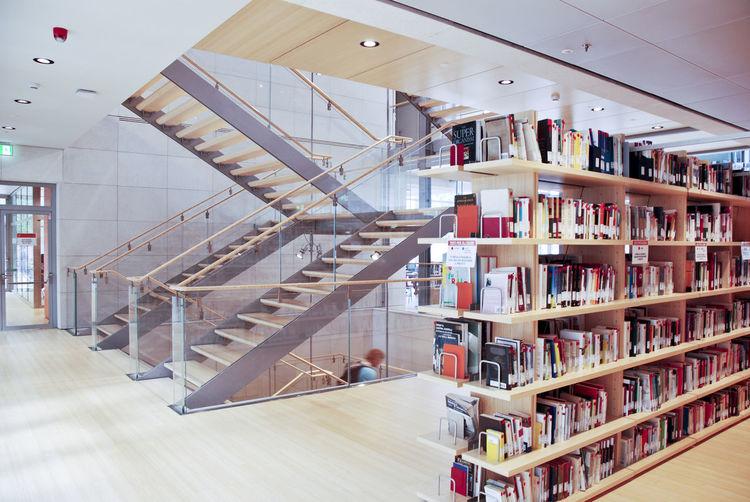 biblioteca comuinale, le Albere ( Rrenzo Piano) Renzo Piano Architecture Book Bookshelf Day Indoors  Le Albere Trento Library No People Shelf
