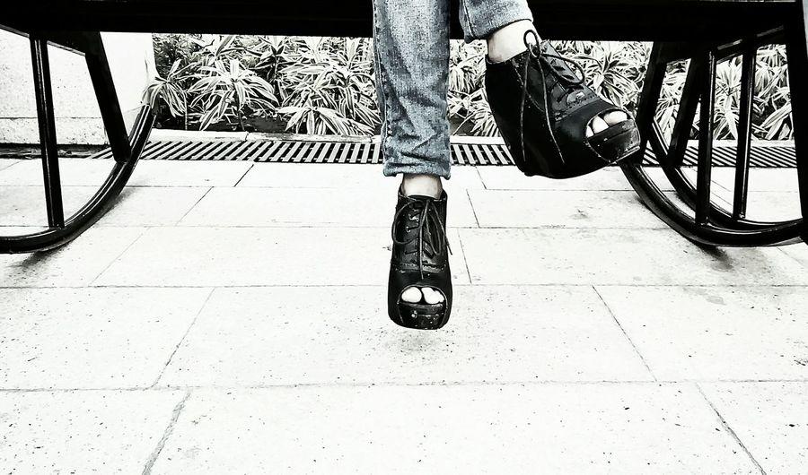 While she's waiting... Happiness ILoveMyCity Blackandwhite Light And Shadow Streetphotographywannabe ProudCitizen Photography EyeEmBestPics EyeEm Best Shots The Great Outdoors - 2015 EyeEm Awards Street Fashion Fashionphotography EyeEm Best Shots - Black + White Eyemphotography Ilovemycountry Forever