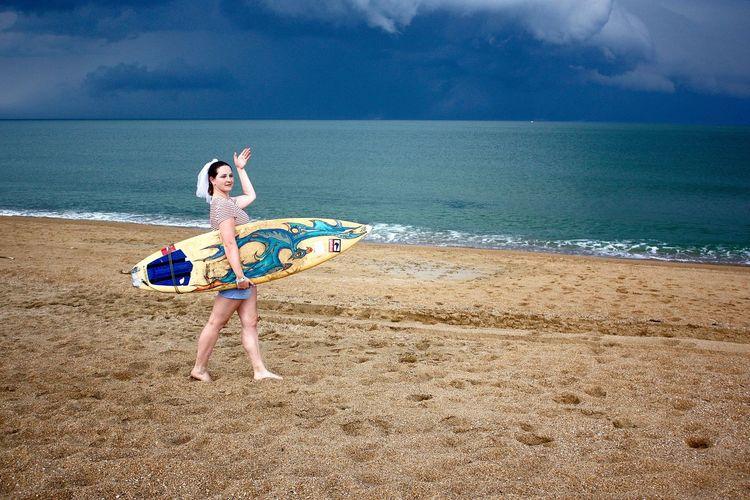 #beach #bride #colors #EyeEm #eyembestshot #Hello #mariée #plage #prewedding #storm #dark Clouds#rain #sunset #storm Vs Sun #surfer Girl #surfing #surf #shortboard #beach #wave #tempête #vintage #wedding #photography #prewedding Showcase: February