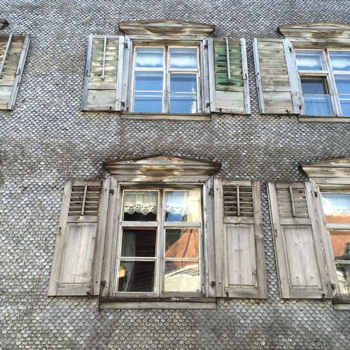 Fenster am alten Schindelhaus Architecture Bezau Bregenzerwald Brick Wall Building Building Exterior Built Structure Closed Day Exterior Façade Fenster Holz Holzschindeln House Hütte No People Old Open Outdoors Residential Building Residential Structure Rustic Window Windows