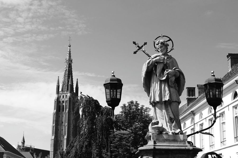 Statue Sculpture Blue Place Of Worship Travel Destinations Tourism Famous Place Sky City Blackandwhite Picsartrefugees Black And White Portrait Blackandwhite Photography Brugge Old Town Bruges History Brüggesehenundsterben Belgium