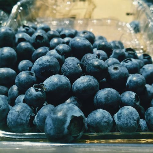 Fresh blueberries🌀 Food Healthy Eating Food And Drink Fruit Freshness Vegetarian Food Indoors  Snack No People Eating Sweet Food Close-up Ready-to-eat Supermarket Grocery Shopping LoveNature Natural Blueberries Bliberry Whortleberry