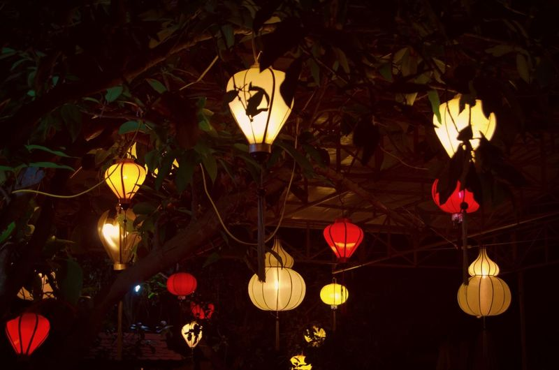 Darkness And Light Light And Shadow Light Lantern Vietnam Hoi An Holiday Traveling Unesco Sightseeing