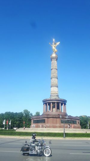 Harly Davidson Sightseeing Enjoying Life Taking PhotosTourists View Historical Sights Being A Tourist Victory Monument Berlin, Germany  Victory Column Siegessäule Berlin Monument Startup New Ways Berlin Germany Berlin Photography Taking Photos Berlin Berliner Ansichten Siegessäule  Being A Tourist Historical Sights Enjoying Life Sightseeing