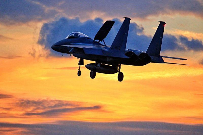 夜間飛行訓練 EyeEm Best Shots Sunset Flying