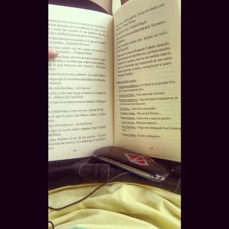 Leer, vivir , disfrutar ...na' mas. Book Phone Live Me
