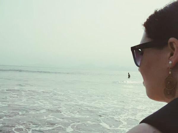 ... E quando vejo o mar, existe algo qur diz, que a vida continua e se entregar é uma bobagem...