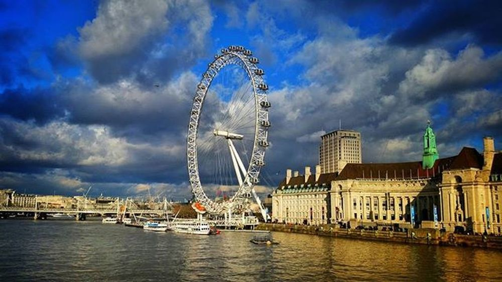 London Eye, London. Southbank Londonsouthbank LondonEye London GB Greatbritain River Riverthames Bigben Westminster Westminsterbridge Housesofparliament