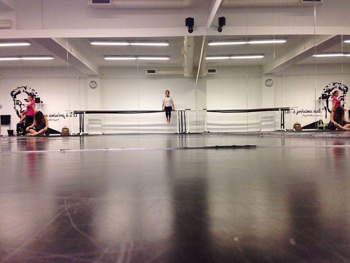 Gym Balletstudio Dance Move Sit Still Tension