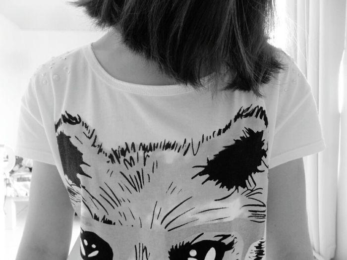 Gilrs Fox Black & White