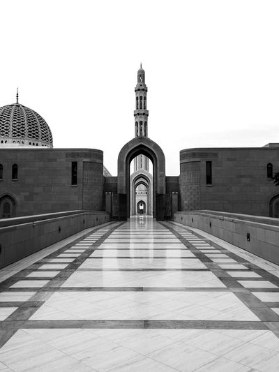 Grand Mosque. Muscat, Oman. Architecture Mosque Mosques Of The World Oman Muscat , Oman Beautifully Organized Travel Photography Malephotographerofthemonth Exceptional Photographs EyeEm Best Shots Bestoftheday Check This Out Eye4photography  EyeEm Gallery WeekOnEyeEm Blackandwhite Black And White Photography